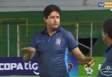 Villegas le pidió disculpas a la hinchada de Blooming. Foto: Captura TV