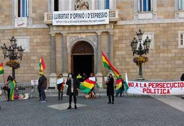 Protestas de bolivianos en Barcelona   Foto: Shirley Salazar