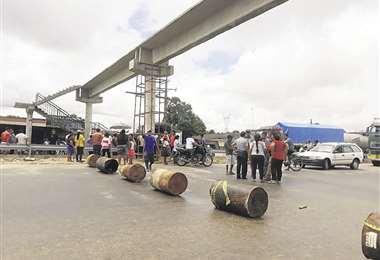 Vecinos bloquearon la ruta pidiendo ayuda para los afectados/Foto: Soledad Prado