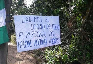 Campesinos toman oficinas del Sernap en Buenavista   Foto: Soledad Prado