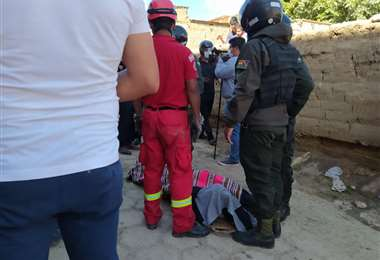 Bomberos recuperan un fallecido tras accidente aéreo