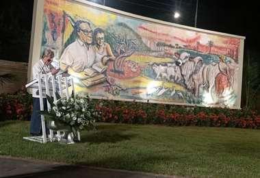 El nuevo mural muestra la obra empresarial visionaria de Osvaldo Monasterio