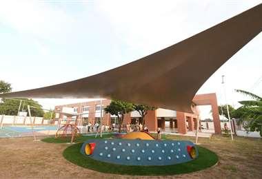 Alcaldía inaugura una nueva unidad educativa en la Villa Primero de Mayo. Foto: GAMSC
