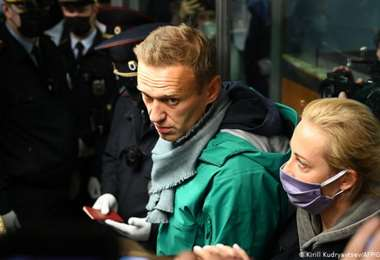 Navalni cumple una condena en la cárcel