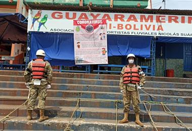 La población de Guayaramerín está ubicada sobre la orilla del río Mamoré.