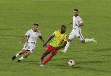 Real Santa Cruz perdió el 13 de marzo de visitante ante Palmaflor. Foto: APG