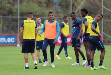 La selección ecuatoriana entrena de cara al amistoso ante Bolivia. Foto: FEF
