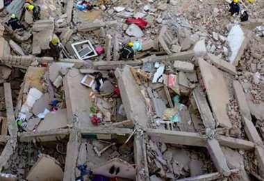 Al menos 25 fallecidos por el derrumbe de un edificio en El Cairo. Foto: internet