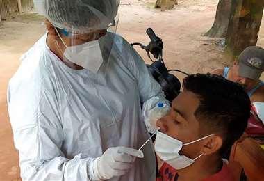 Realizan test para detectar Covid-19 en Guayaramerín /Foto: Sedes Beni