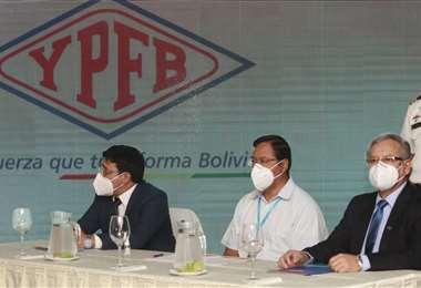 El presidente Luis Arce y ejecutivos del sector hidrocarburos anunciaron el proyecto