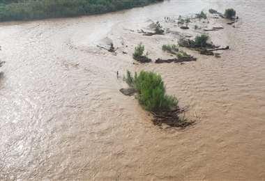 Rescatan a ciudadano argentino y el cuerpo sin vida de un hombre en aguas del río Bermejo
