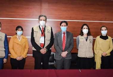 La Sala Plena del TSE recibió a la delegación de observadores de la OEA