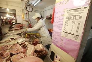 Personal de la Alcaldía emprendió controles en los mercados /Foto: Juan Carlos Torrejón
