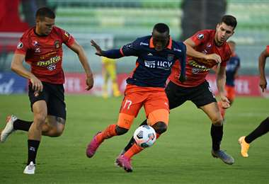 Caracas FC eliminó el miércoles a César Vallejos. Foto: AFP