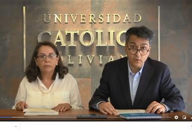 Ximena Peres Arenas y Flavio Escobar Llanos de la UCB dan su respaldo a las denunciantes