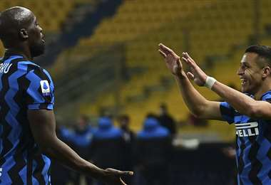 Alexis Sánchez marcó los dos goles del Inter. Foto: AFP