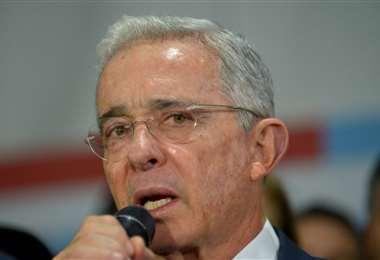 Fiscal pide archivar investigación contra Uribe