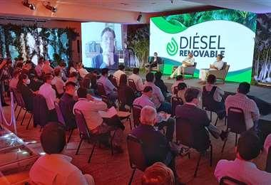 El proyecto de diésel renovable fue presentando en Santa Cruz (Foto: YPFB)