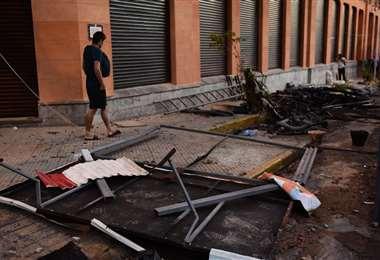 Vista de daños en el Ministerio de Hacienda por las protestas del viernes