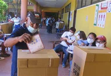 Recinto electoral ubicado en la Facultad Integral del Chaco