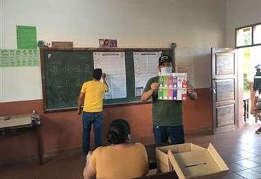 Conteo de votos en San Ignacio de Velasco/Foto: Carlos Quinquivì