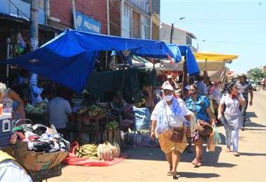 Panorama en el mercado Los Pocitos. Fotos: Harold Vaca