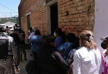 Personas detenidas tras cruzar la frontera entre Argentina y Bolivia