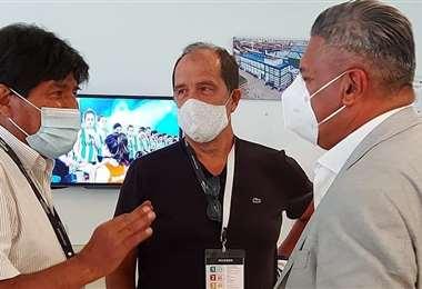 Evo Morales junto a Ariel Basteiro y Claudio Tapia