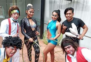 Artistas circenses cruceños que mañana celebrarán su día en las calles de la ciudad