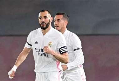 El festejo de Benzema, que abrió el marcador ante Barcelona. Foto: AFP