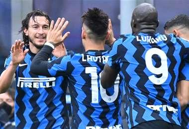 El festejo de los jugadores del Inter tras el gol de Matteo Darmian. Foto: AFP