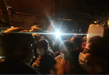 Protesta por supuesto acarreo de votantes en Tarija