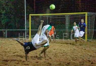 Cuenta regresiva para el inicio del nacional de fútbol playa. Foto: Internet