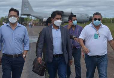 Autoridades llegan a Guayaramerín/Foto: ABI