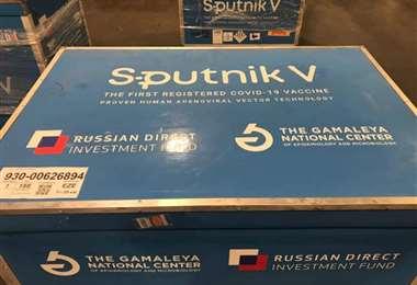 Llegan 25.000 dosis de vacunas rusas
