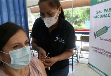 Foto Jorge Ibáñez: Vacunación contra el Covid-19 en Santa Cruz