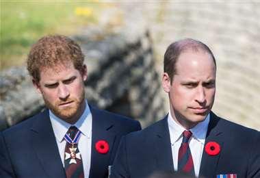 Guillermo y Harry estarán separados en el funeral de su abuelo