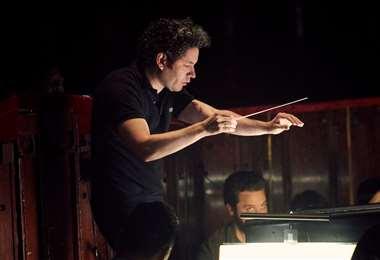 Dudamel es uno de los directores de orquesta mejor pagados del mundo