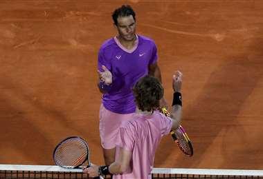 Rafael Nadal (de frente) era uno de los candidatos al título. Foto: AFP