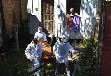 Colombia detecta variantes británica y brasileña de coronavirus