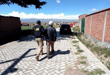 El progenitor fue aprehendido por agentes de la Felcv de La Paz