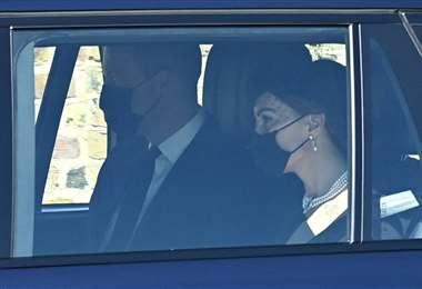 El Príncipe William  y su esposa llegan al castillo de Windsor para la ceremonia
