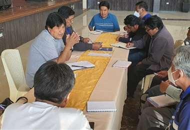 Evo Morales en reunión con el pacto de unidad antes de reunirse con Luis Arce (Foto: RRSS)