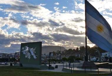 Argentina renueva reclamo por Malvinas, 39 años después de la guerra