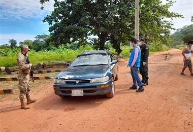 La Policía y Migración realizan los respectivos controles (Foto: Juan Pablo Cahuana)