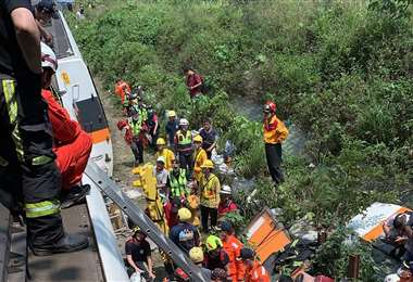 Al menos 50 personas mueren en accidente de tren en Taiwán