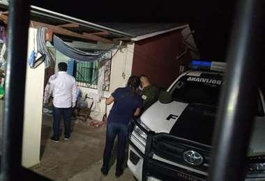La Felcv llegó al barrio Los Piyos a levantar el cuerpo sin vida de la víctima