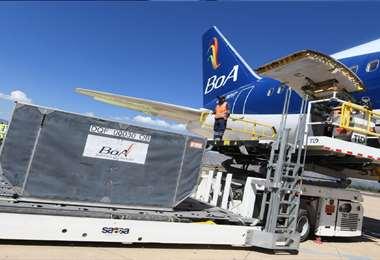 El avión de BoA aterrizó en el aeropuerto Jorge Wilstermann. Foto: APG Noticias