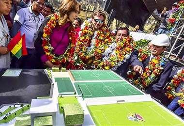 El presidente de Conmebol estuvo en el colocado en los terrenos. Foto: Archivo / APG
