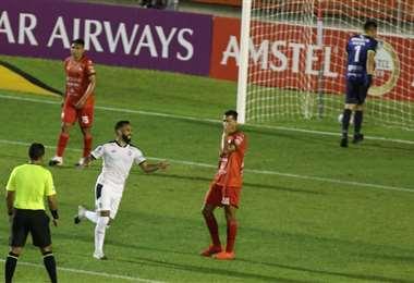 El gol de Herrera a Guabirá en Montero. Foto: Fuad Landívar
